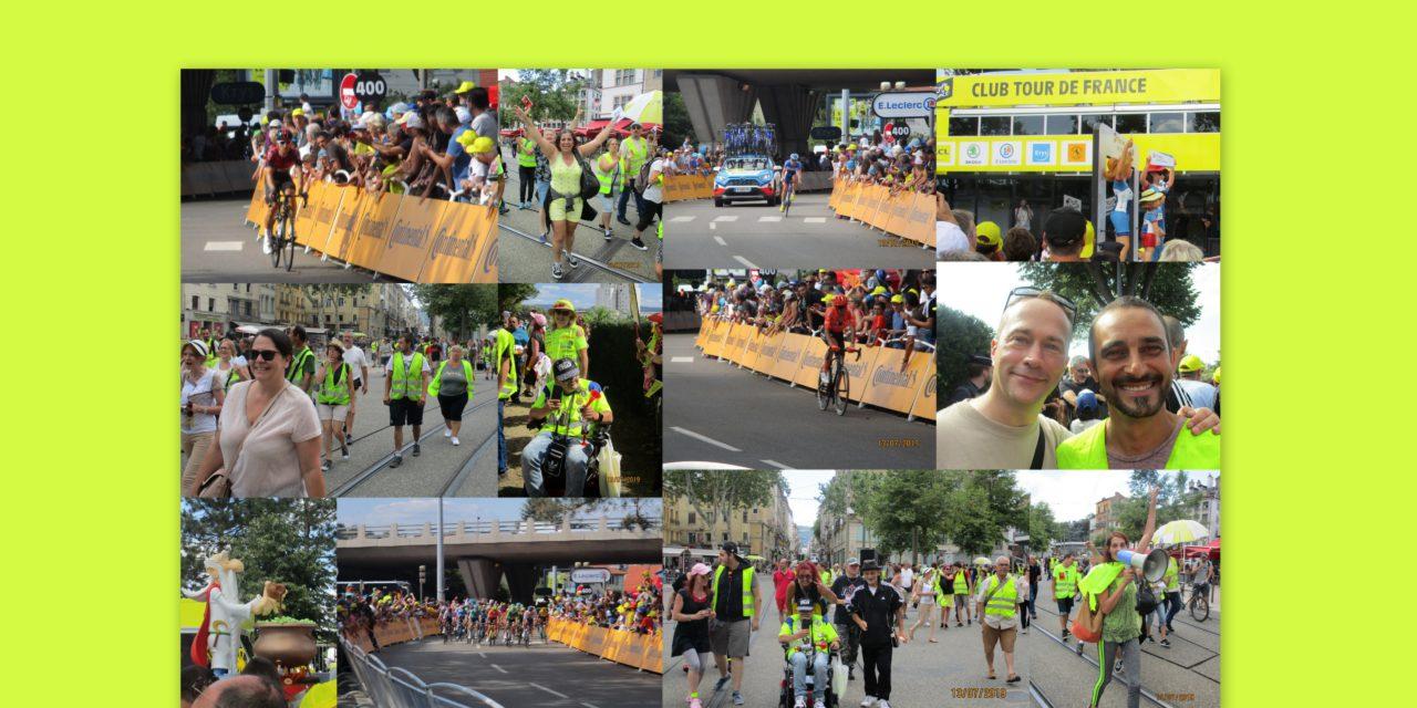 De nombreux gilets jaunes à l'arrivée de l'étape du tour à Sainté
